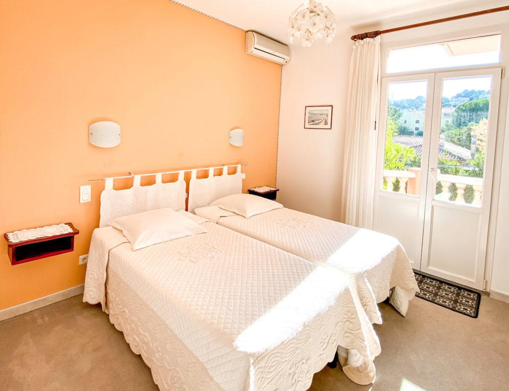 CHAMBRE 26 - HOTEL LA PERGOLA CAVALAIRE-2
